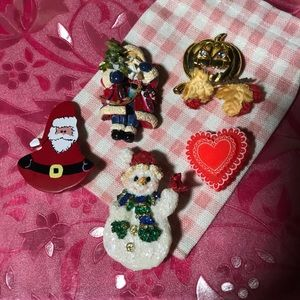 Jewelry - Holiday Pins/Brooches